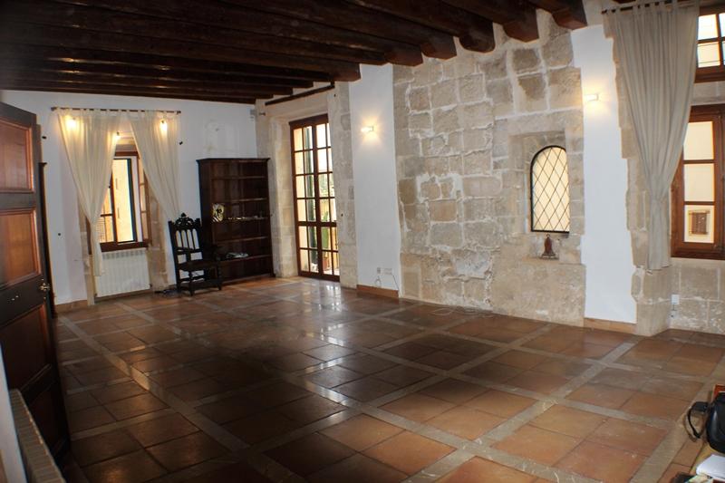 Schöne und grosszügige Wohnung im Stadtpalast aus dem 16. Jahrhundert Palmas Altstadt